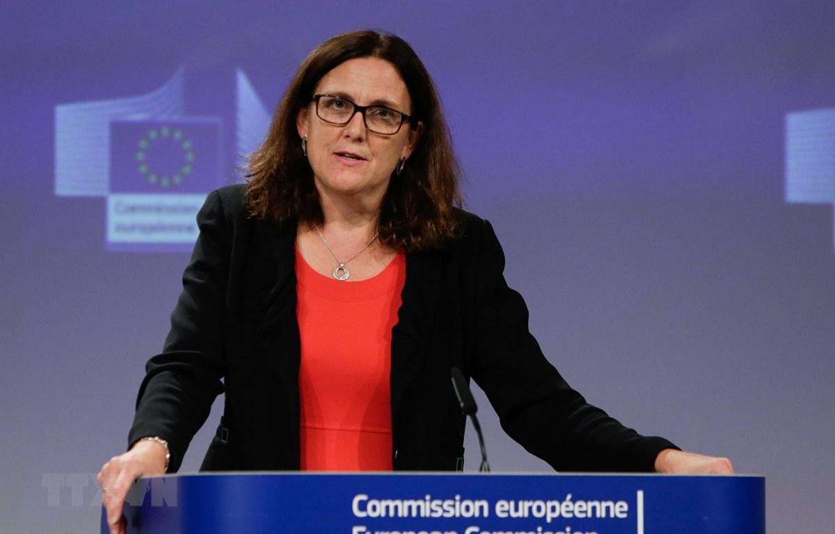 Ủy viên Thương mại Liên minh châu Âu (EU) Cecilia Malmstrom phát biểu tại cuộc họp báo ở Brussels, Bỉ. (Ảnh: AFP/TTXVN)