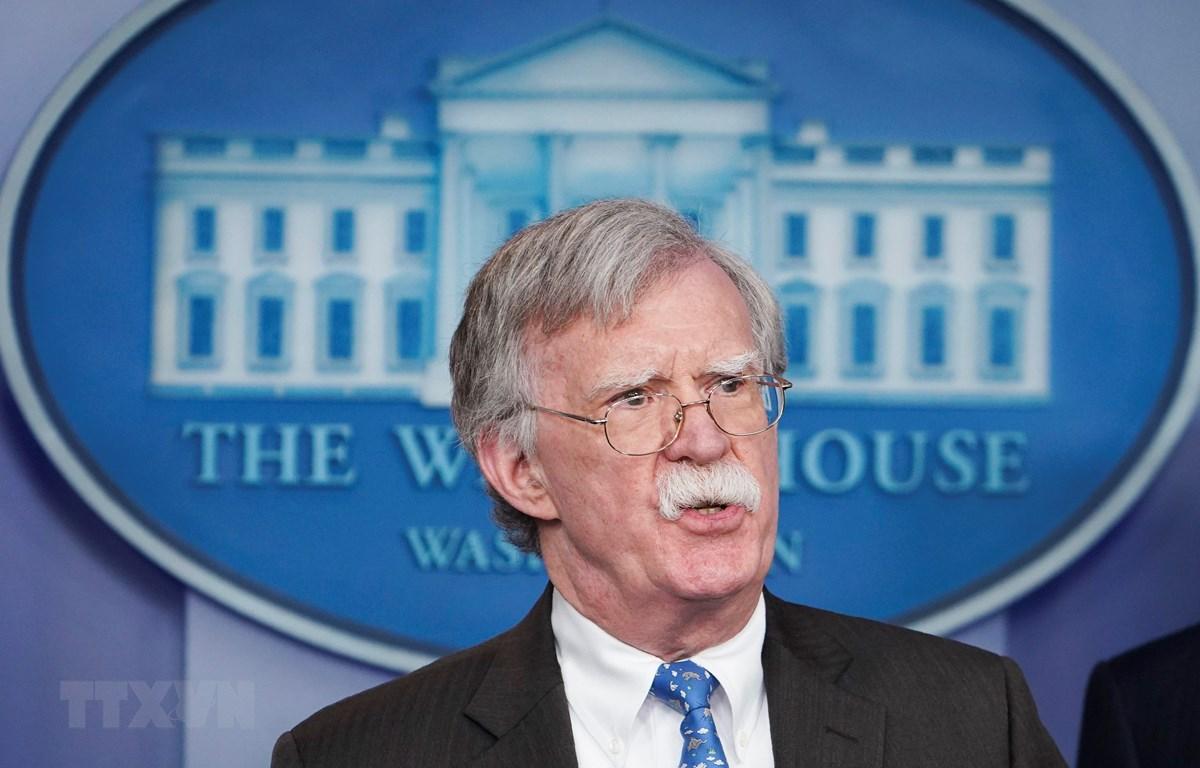 Cố vấn An ninh quốc gia Mỹ John Bolton phát biểu tại một cuộc họp báo ở Washington, DC. (Ảnh: AFP/TTXVN)