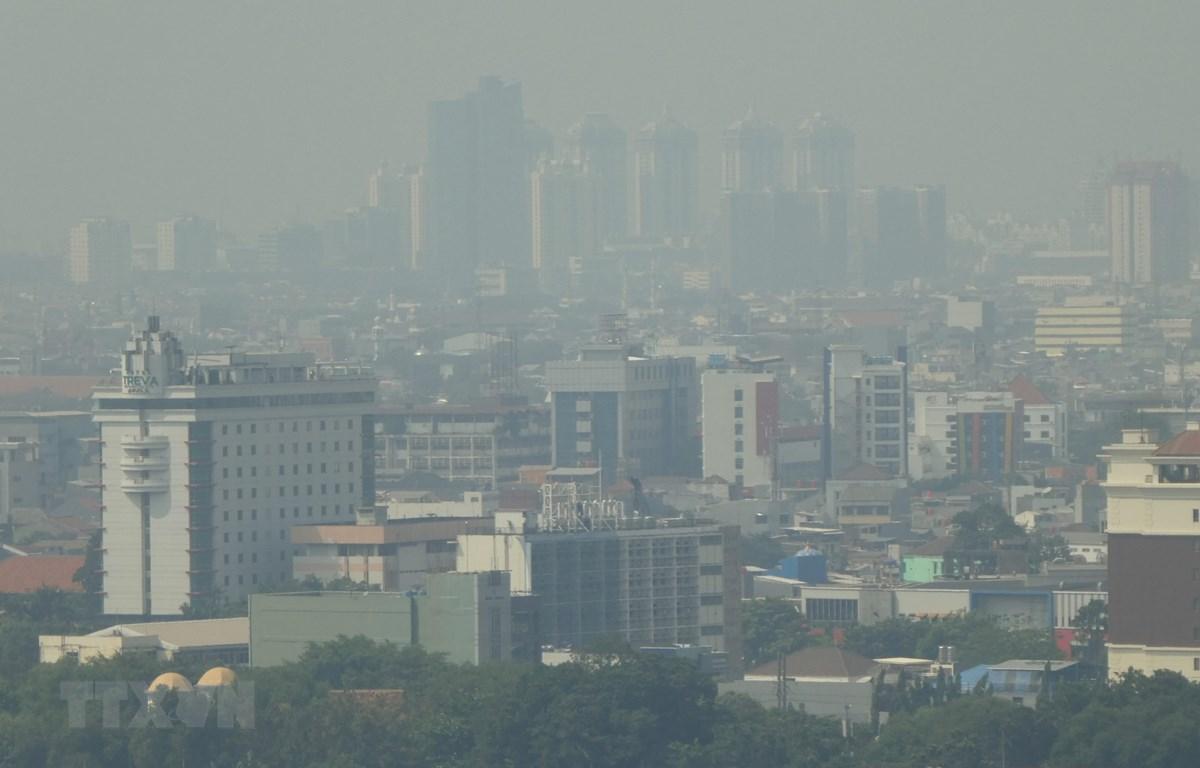 Khói mù ô nhiễm bao phủ Jakarta, Indonesia, ngày 24/7/2019. (Ảnh: AFP/ TTXVN)
