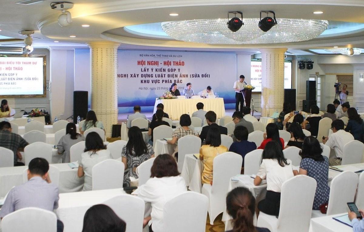 Quang cảnh hội nghị, hội thảo lấy ý kiến góp ý đề nghị xây dựng luật Điện ảnh (sửa đổi) - Khu vực phía Bắc. (Ảnh: Thanh Tùng/TTXVN)