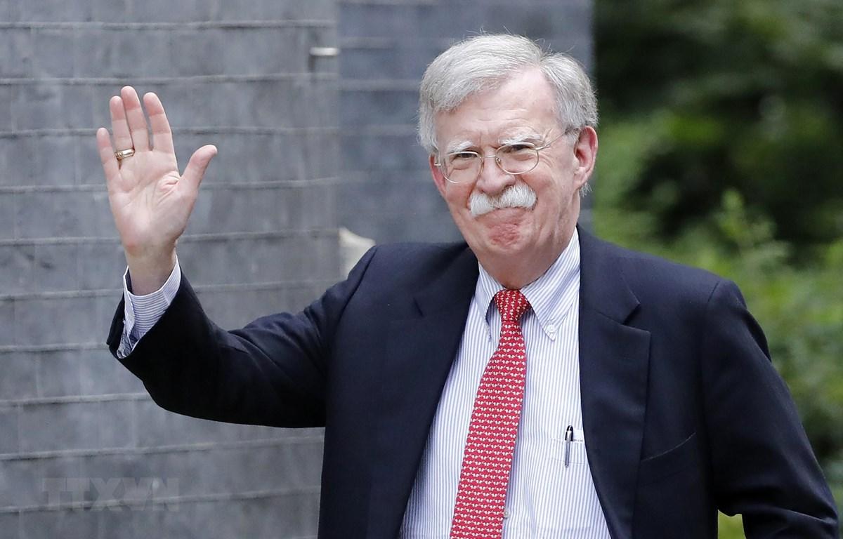 Cố vấn An ninh quốc gia Mỹ John Bolton đang trong chuyến thăm Ukraine. (Ảnh: AFP/TTXVN)