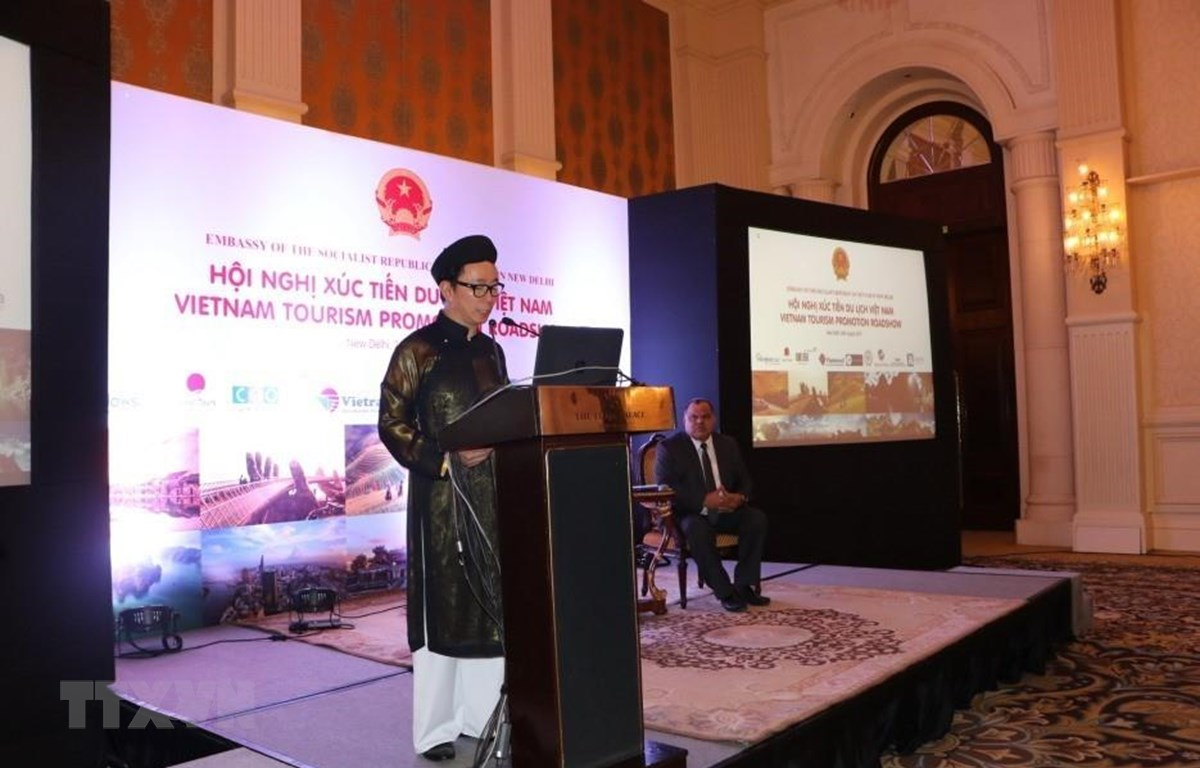 Đại sứ Việt Nam tại Ấn Độ Phạm Sanh Châu phát biểu tại Hội nghị. (Ảnh: Huy Lê/TTXVN)