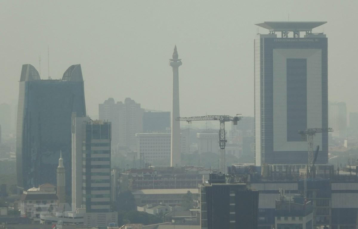 Khói mù ô nhiễm bao phủ Jakarta, Indonesia, ngày 24/7/2019. (Ảnh: AFP/TTXVN)