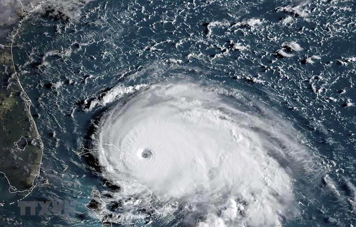 Ảnh chụp vệ tinh cơn bão nhiệt đới Dorian tiến vào quần đảo Bahamas và bang Florida (Mỹ) ngày 1/9/2019. (Ảnh: AFP/TTXVN)