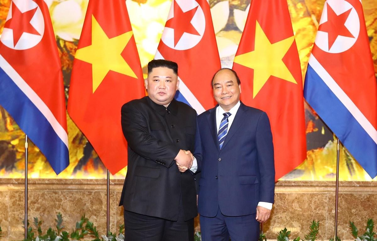 Nhà lãnh đạo Triều Tiên Kim Jong-un gặp Thủ tướng Nguyễn Xuân Phúc trong chuyến thăm hữu nghị chính thức Việt Nam ngày 1/3/2019. (Ảnh: Thống Nhất-TTXVN)