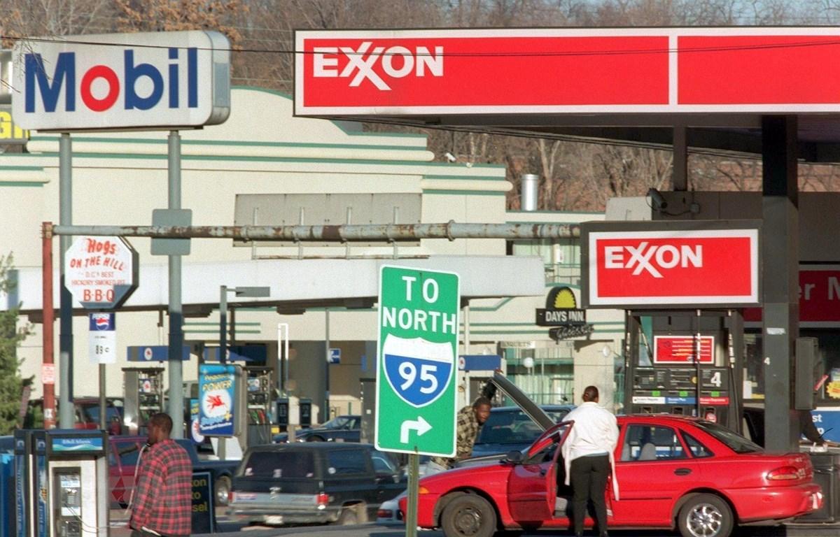 Một trạm xăng của Tập đoàn dầu khí Exxon Mobil của Mỹ ở Washington, DC. (Ảnh: AFP/TTXVN)
