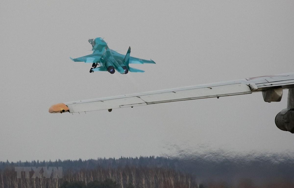 Máy bay Su-34 cất cánh tại sân bay Kubinka, gần Moskva (Nga) ngày 28/3/2009. (Ảnh: AFP/TTXVN)