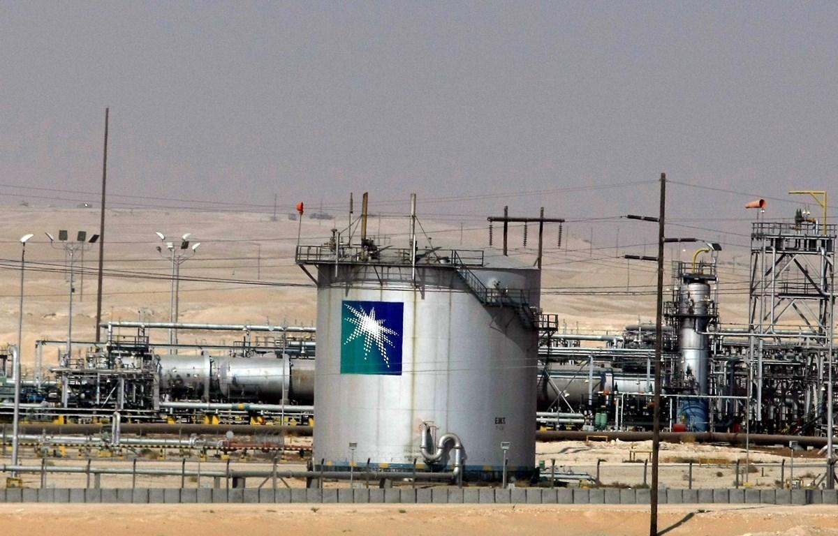 Một cơ sở khai thác dầu ở thà nh phố Dammam, Saudi Arabia. (Ảnh:AFP/TTXVN)