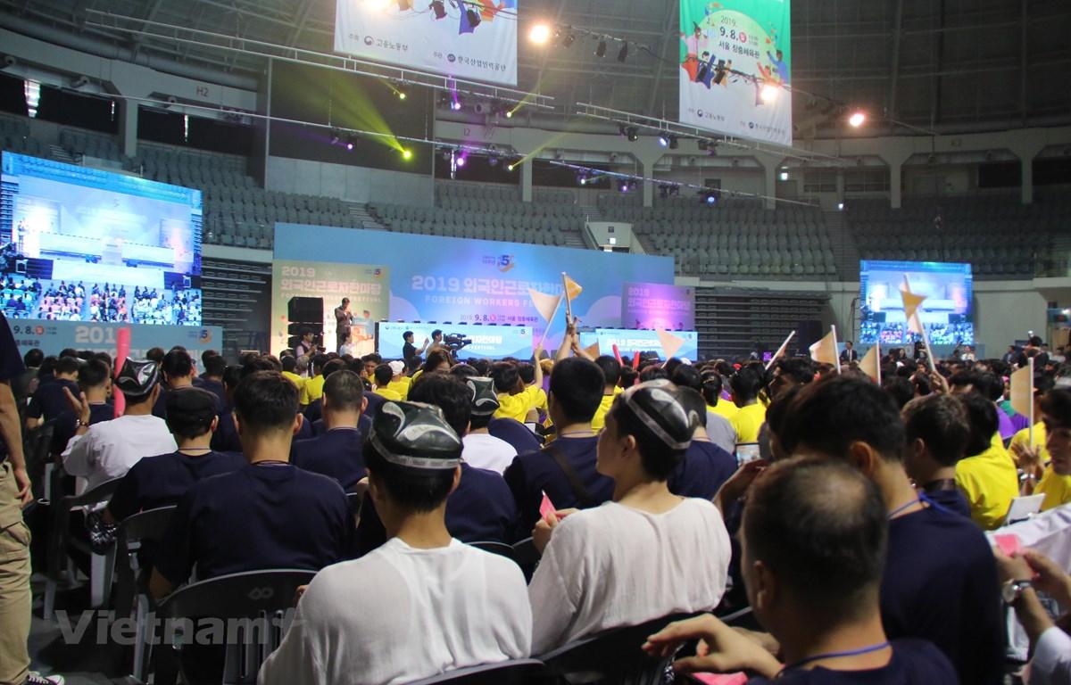 Lao động Việt Nam tham dự Lễ hội lao động nước ngoài tại Hàn
