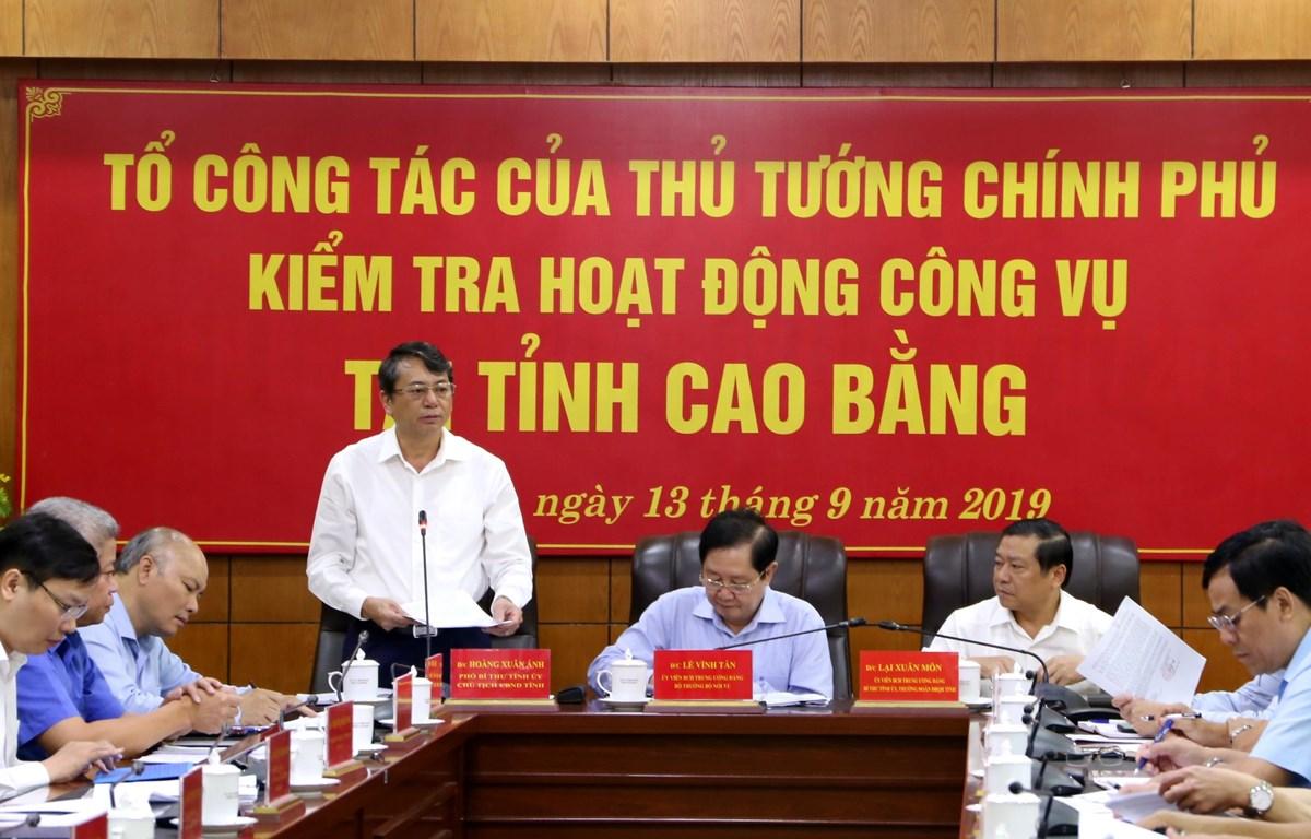 Chủ tịch UBND tỉnh Cao Bằng Hoàng Xuân Ánh báo cáo tại buổi kiểm tra. (Nguồn: moha.gov.vn)