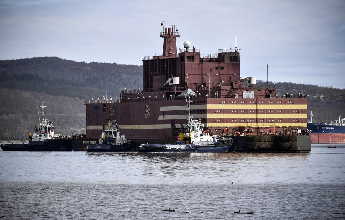 Nhà máy điện hạt nhân nổi Akademik Lomonosov tại thành phố Murmansk, miền bắc nước Nga, ngày 19/5/2018. (Ảnh: AFP/ TTXVN)