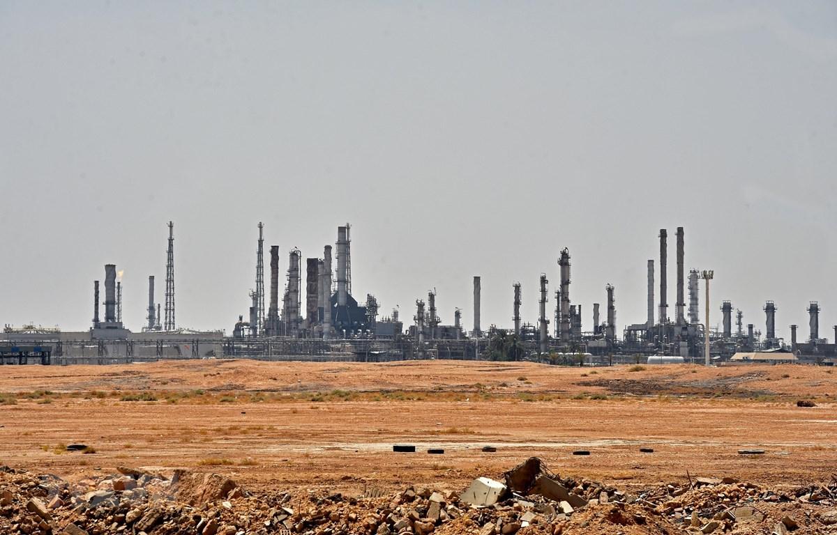 Nhà máy lọc dầu Aramco ở gần khu vực al-Khurj, phía nam thủ đô Riyadh của Saudi Arabia ngày 15/9/2019. (Ảnh: AFP/TTXVN)