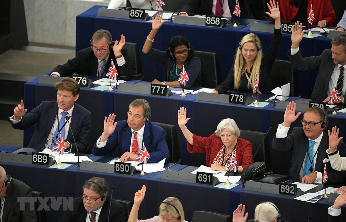 """Toàn cảnh phiên bỏ phiếu của Nghị viện châu Âu về lập trường của Liên minh châu Âu đối với """"Thỏa thuận Brexit"""", tại Strasbourg, Đông Bắc Pháp ngày 18/9/2019. (Ảnh: AFP/TTXVN)"""