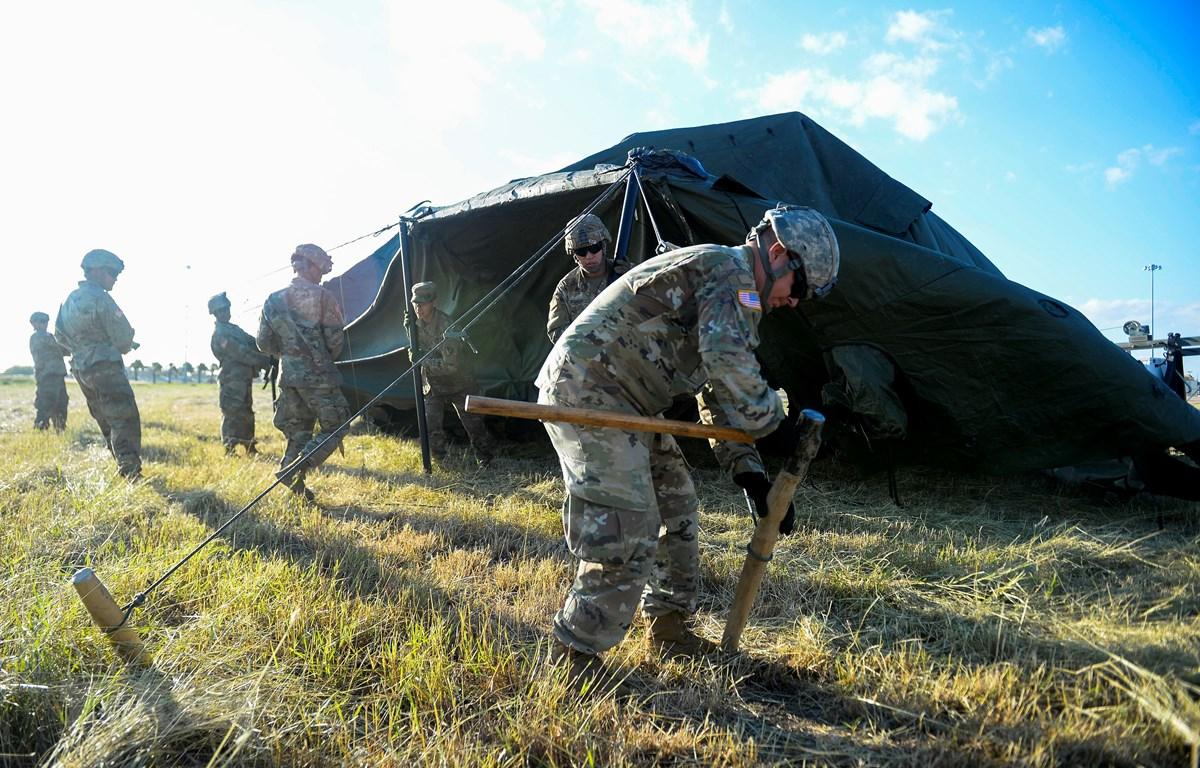Binh sỹ Mỹ tại một căn cứ quân sự ở Fort Riley, bang Kansas, Mỹ. (Ảnh: AFP/TTXVN)