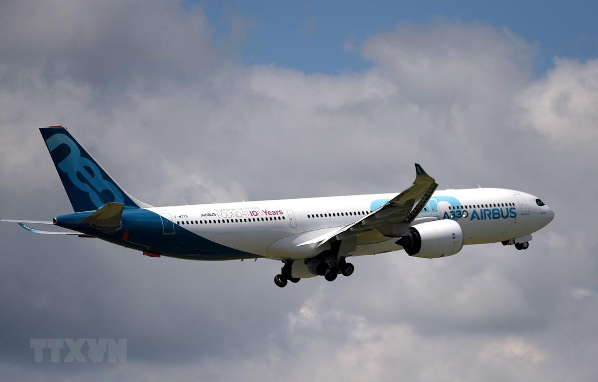 Máy bay A330 Neo của Airbus trình diễn tại Triển lãm hàng không quốc tế Paris ở Le Bourget, Pháp, ngày 21/6/2019. (Ảnh: AFP/ TTXVN)