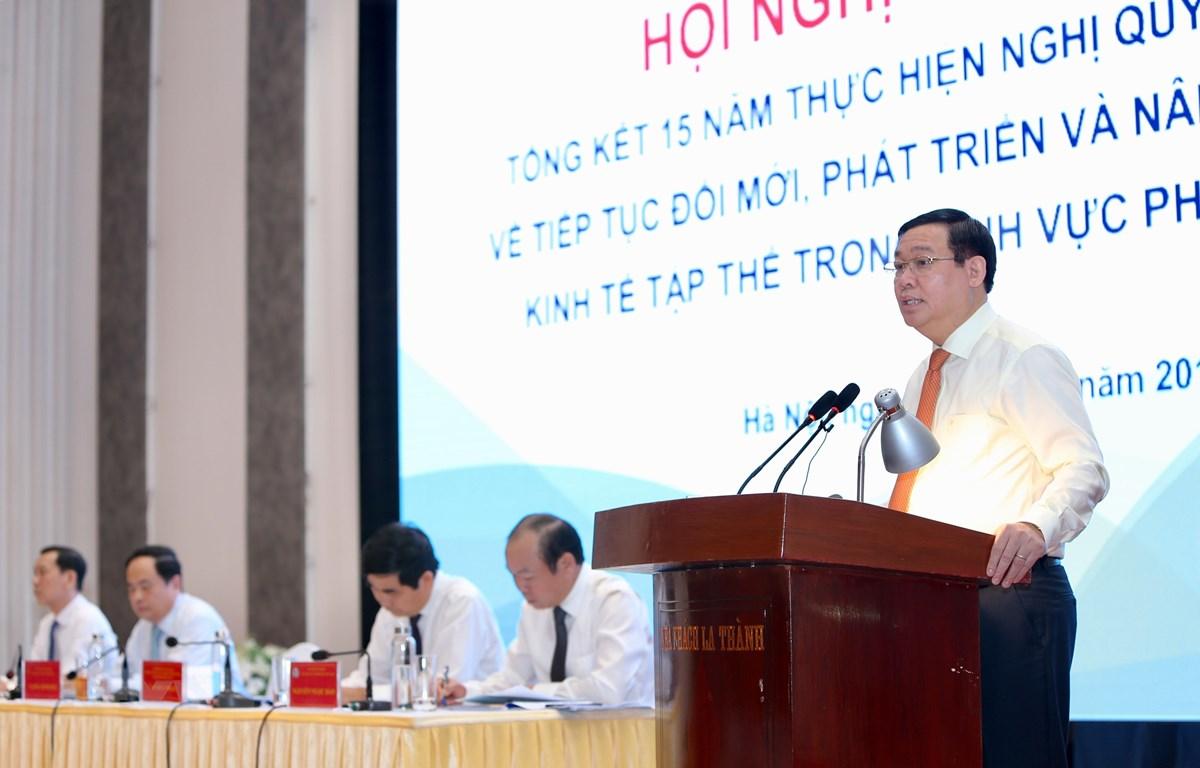Phó Thủ tướng Vương Đình Huệ, Trưởng Ban Chỉ đạo đổi mới, phát triển kinh tế tập thể, hợp tác xã phát biểu kết luận hội nghị. (Ảnh: Dương Giang/TTXVN)
