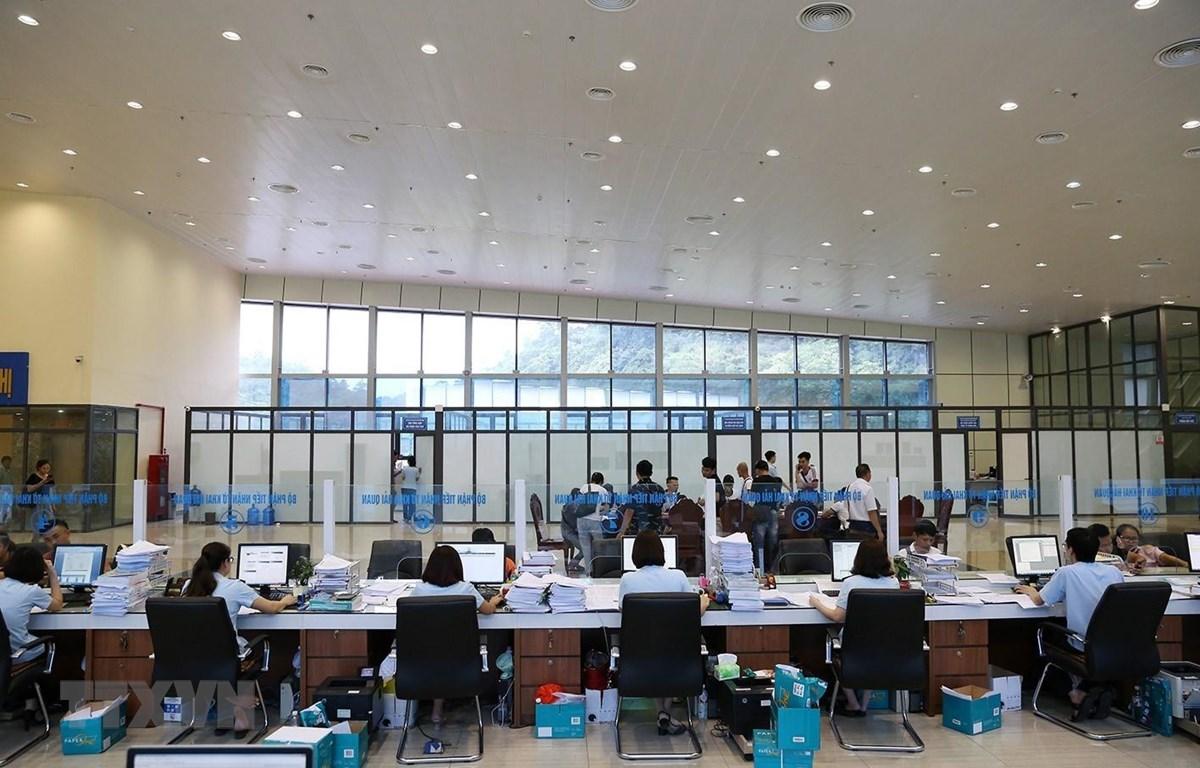 Bộ phận làm thủ tục mở tờ khai hàng hóa XNK của Chi cục Hải quan cửa khẩu quốc tế Hữu Nghị, Lạng Sơn. (Ảnh: Phạm Hậu/TTXVN)