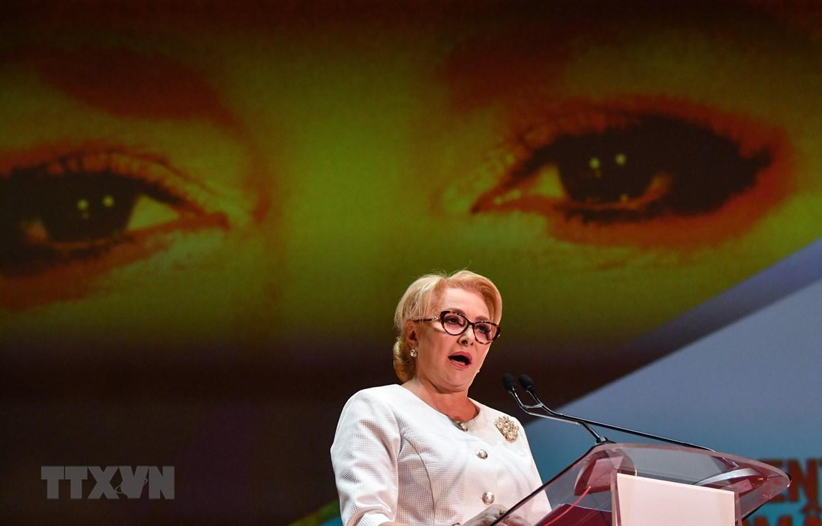 Thủ tướng Romania Viorica Dancila phát biểu tại hội nghị của đảng Xã hội Dân chủ (PSD) cầm quyền, Bucharest ngày 24/8/2019. (Ảnh: AFP/TTXVN)