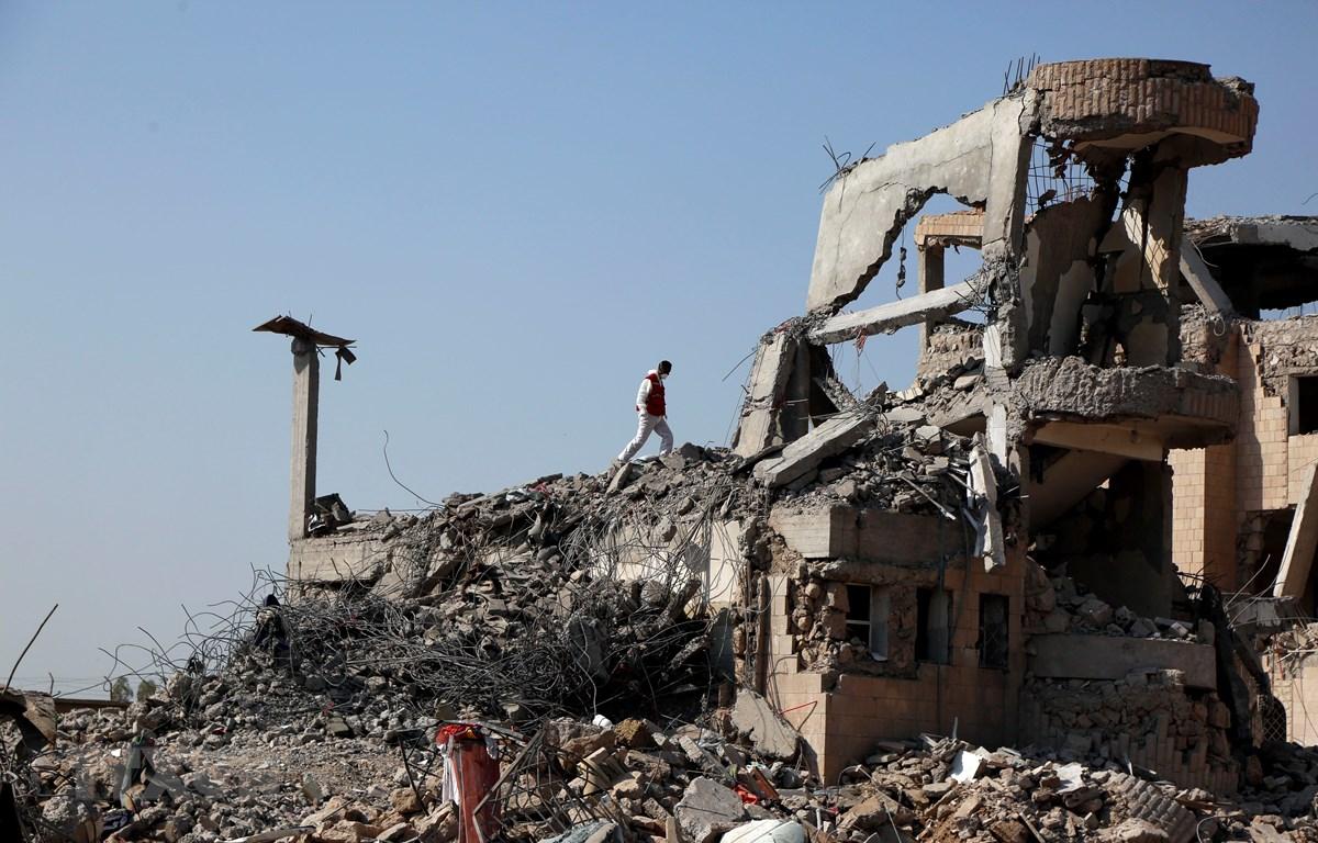 Cảnh tàn phá sau các cuộc không kích tại Dhamar, Yemen, ngày 4/9. (Ảnh: THX/TTXVN)