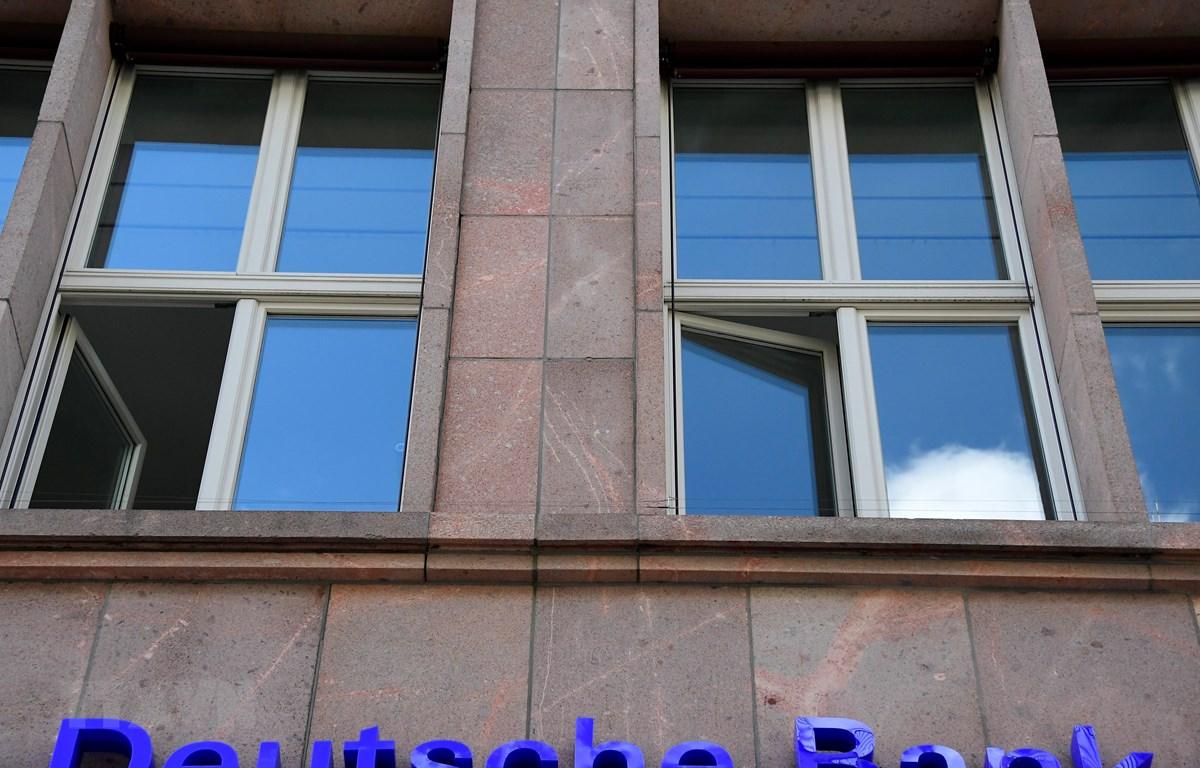Một chi nhánh của Ngân hàng Deutsche Bank ở Berlin, Đức. (Ảnh: AFP/TTXVN)
