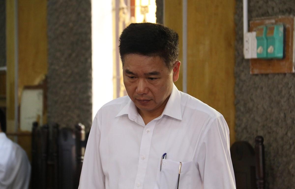 Bị cáo Trần Xuân Yến, nguyên Phó Giám đốc Sở Giáo dục và Đào tạo tỉnh Sơn La tại phiên tòa. (Ảnh: Hữu Quyết/ TTXVN)