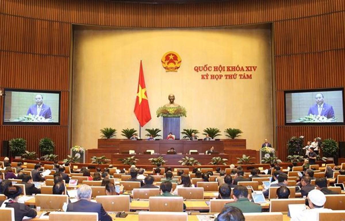 Thủ tướng Chính phủ Nguyễn Xuân Phúc trình bày Báo cáo về kết quả thực hiện kế hoạch phát triển kinh tế - xã hội năm 2019; kế hoạch phát triển kinh tế-xã hội năm 2020. (Ảnh: Dương Giang/TTXVN)