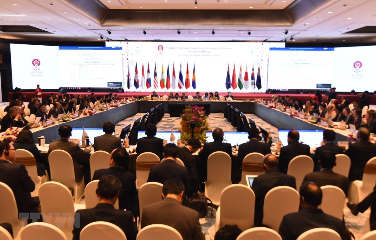 Toàn cảnh Hội nghị Cấp bộ trưởng về Hiệp định Đối tác kinh tế toàn diện khu vực (RCEP) tại Trung tâm Hội nghị IMPACT Muangthong Thani, tỉnh Nontha Buri, Thái Lan. (Ảnh: Lý Hữu Kiên/TTXVN)