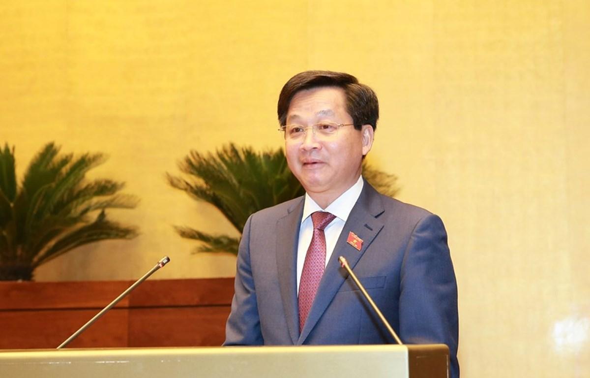Tổng Thanh tra Chính phủ Lê Minh Khái, thừa ủy quyền của Thủ tướng Chính phủ trình bày Báo cáo về công tác phòng, chống tham nhũng năm 2019. (Ảnh: Doãn Tấn/TTXVN)