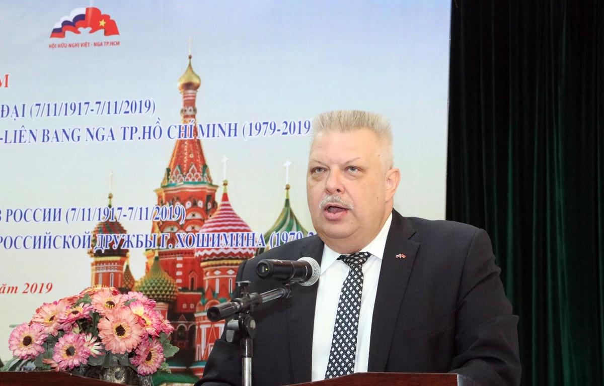 Ông Alexey Vladimirovich Popov, Tổng Lãnh sự Liên bang Nga tại Thành phố Hồ Chí Minh phát biểu tại buổi Họp mặt. (Ảnh: Xuân Khu-TTXVN)