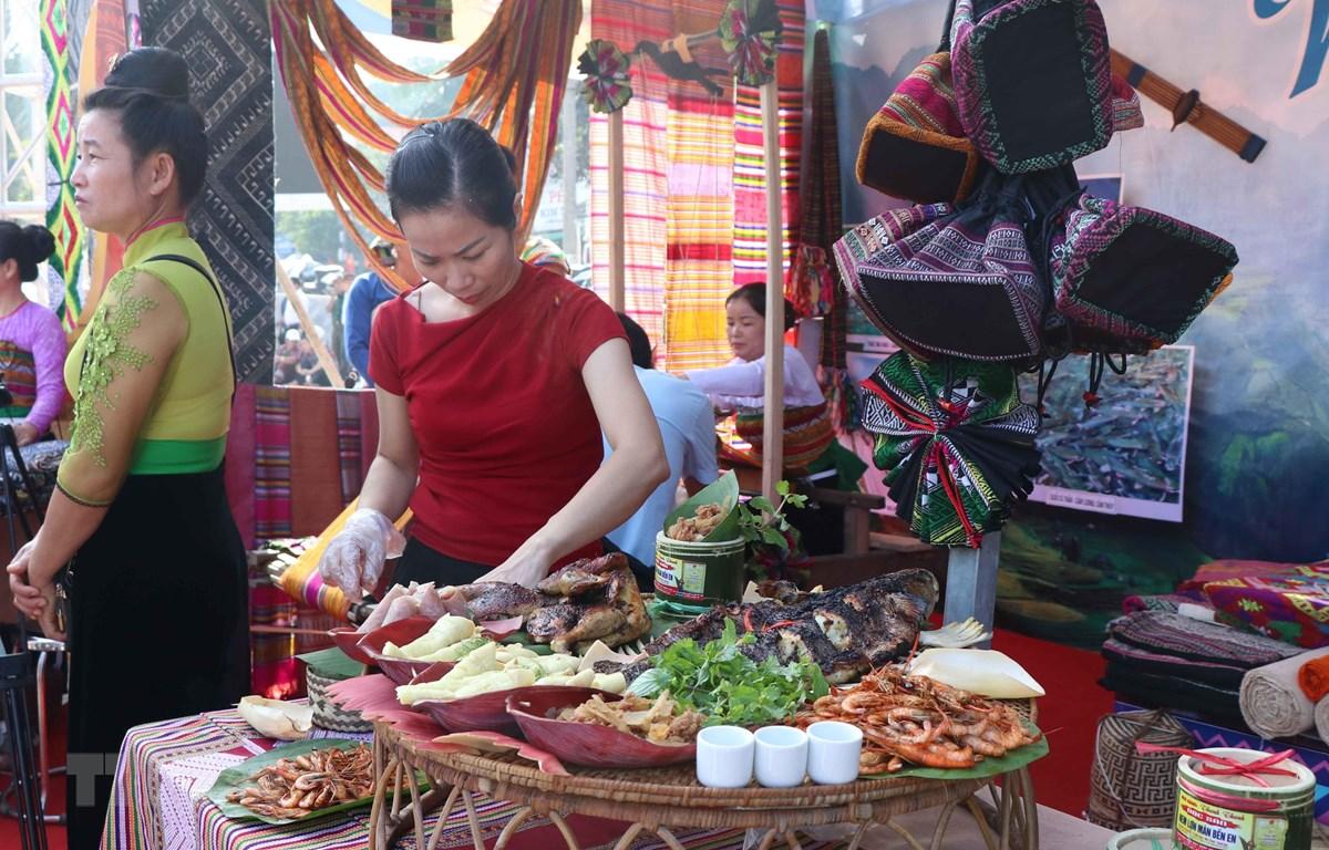 Các món ẩm thực độc đáo của người Thái Điện Biên. (Ảnh: Xuân Tiến/TTXVN)