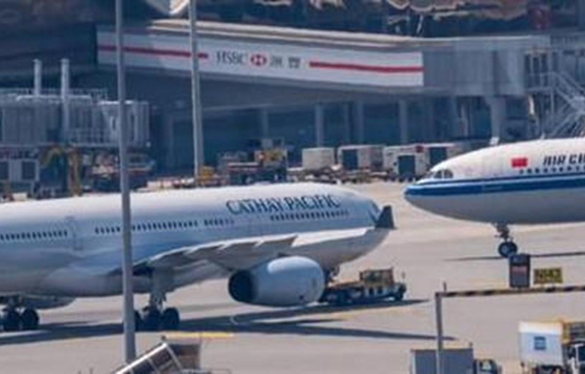 Nhiều hãng hàng không hủy, cắt giảm chuyến bay đến Hong Kong