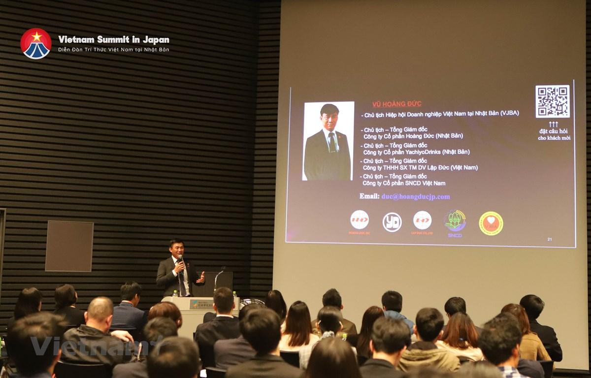 Diễn giả Vũ Hoàng Đức, Chủ tịch Hiệp hội Doanh nghiệp Việt Nam tại Nhật Bản trình bày tại phiên thảo luận. (Ảnh: Ban tổ chức)