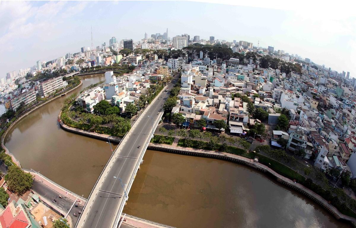 Kênh Nhiêu Lộc-Thị Nghè. (Ảnh: Mạnh Linh - TTXVN)