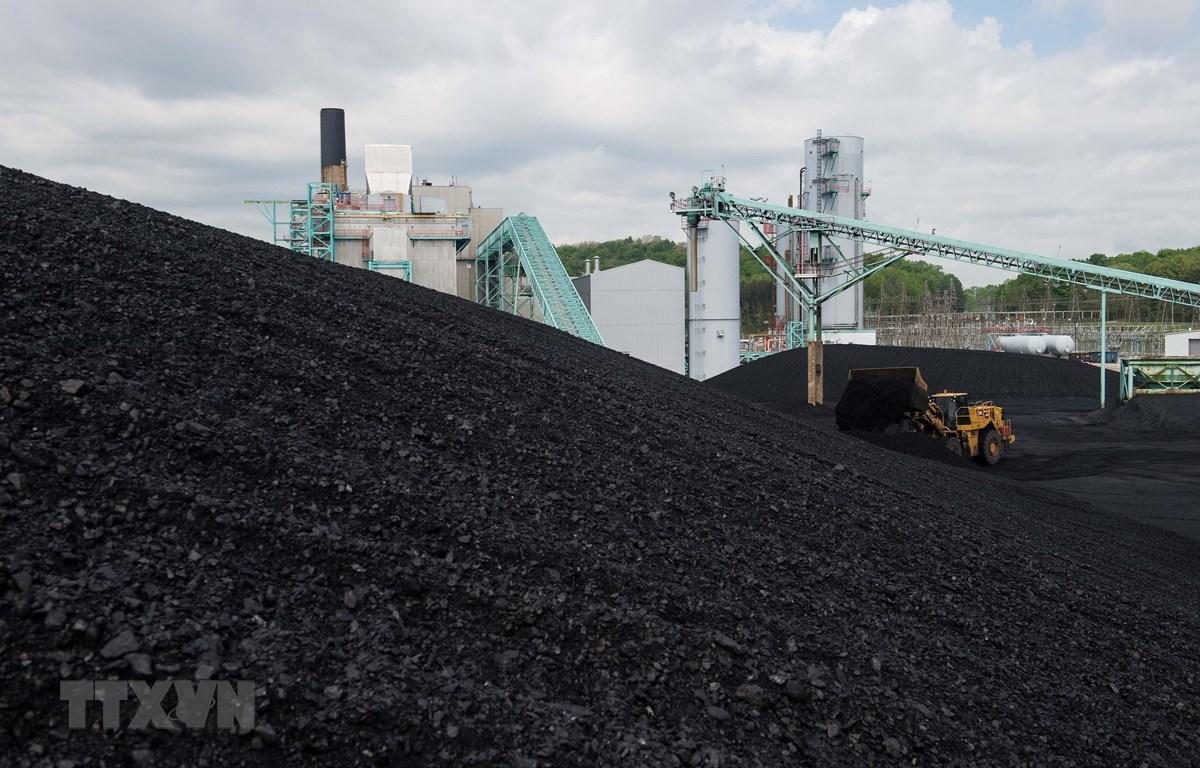 Than đá tại một nhà máy điện ở gần Somerset, bang Kentucky, Mỹ. (Ảnh: AFP/TTXVN)
