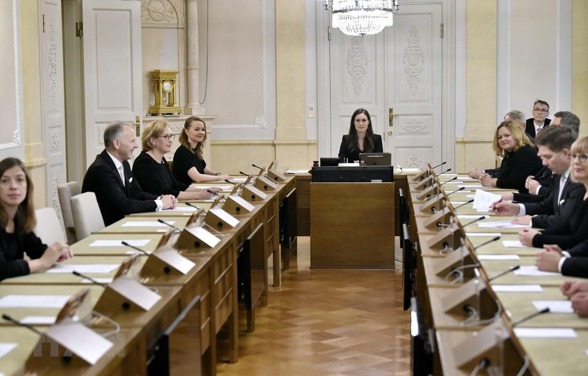 Tân Thủ tướng Phần Lan Sanna Marin chủ trì cuộc họp tại Helsinki, ngày 10/12/2019. (Ảnh: AFP/TTXVN)