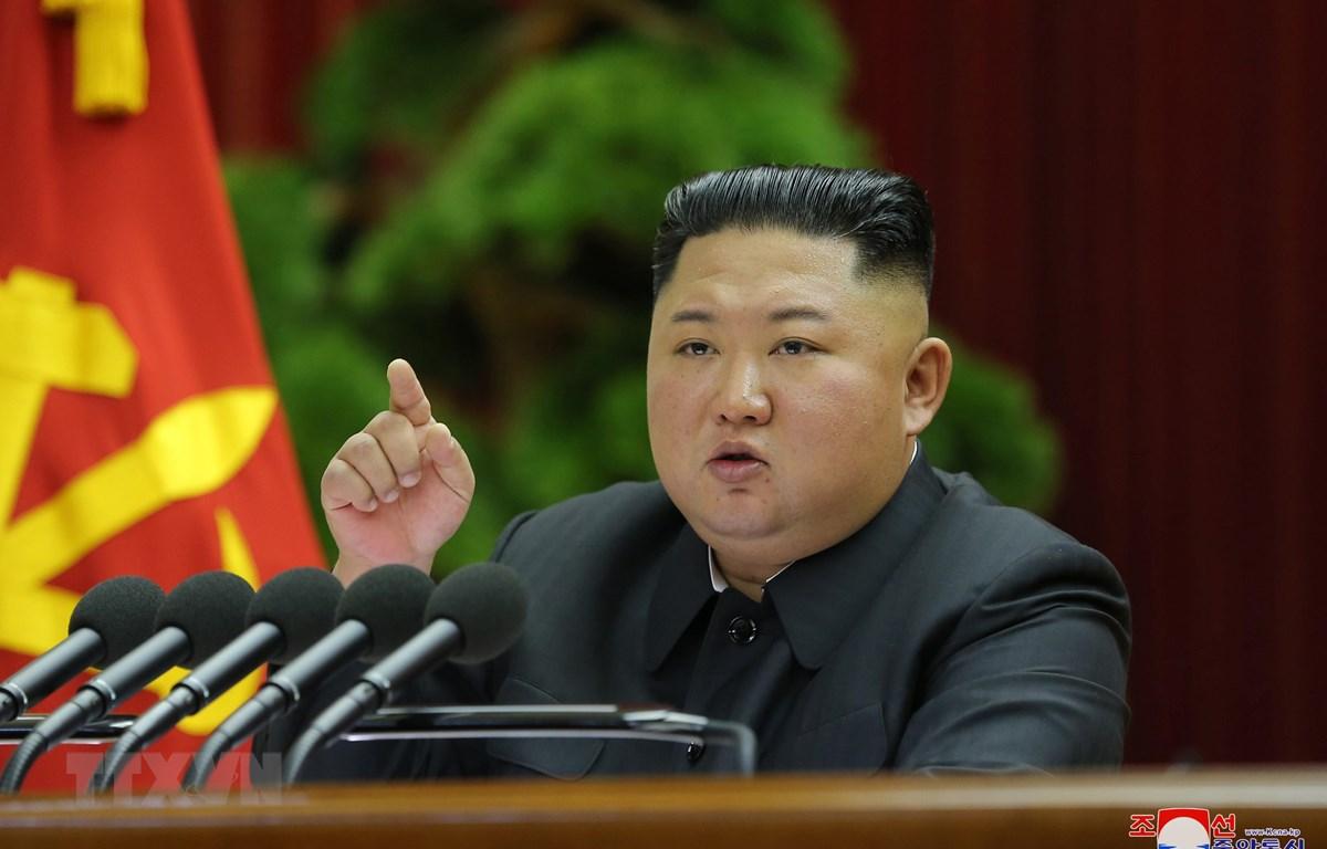 Nhà lãnh đạo Triều Tiên Kim Jong-un tại phiên họp toàn thể lần thứ 5 Ủy ban Trung ương Đảng Lao động Triều Tiên ngày 28/12/2019. (Ảnh: YONHAP/TTXVN)