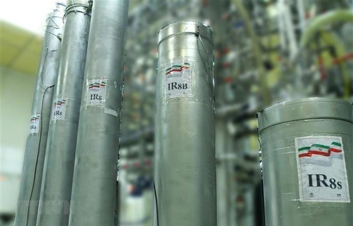 Thiết bị làm giàu urani tại nhà máy hạt nhân Nataz, cách thủ đô Tehran khoảng 300km về phía Nam ngày 4/11/2019. (Ảnh: AFP/TTXVN)