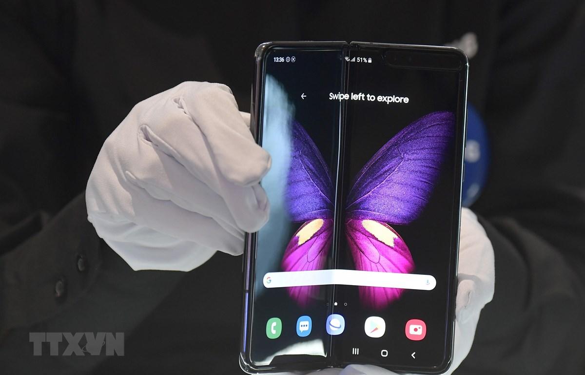 Điện thoại Samsung Galaxy Fold. (Ảnh: AFP/TTXVN)
