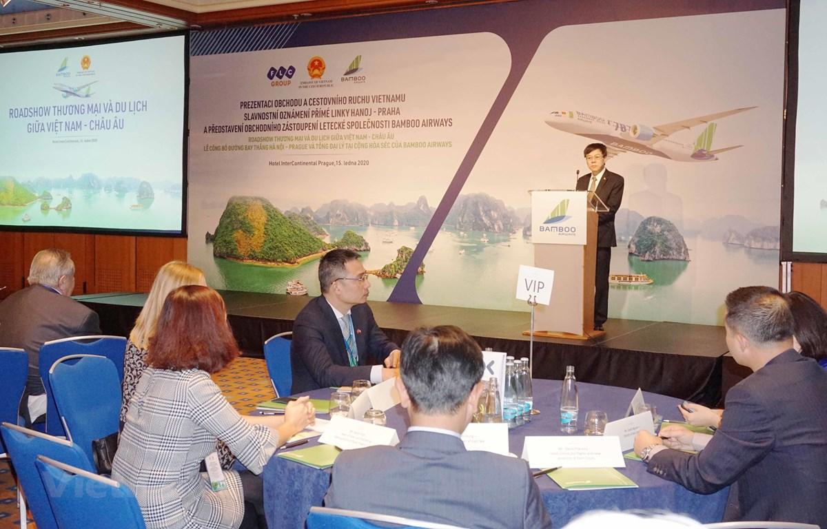 Đại sứ Hồ Minh Tuấn phát biểu.(Ảnh: Hồng Kỳ/Vietnam+)