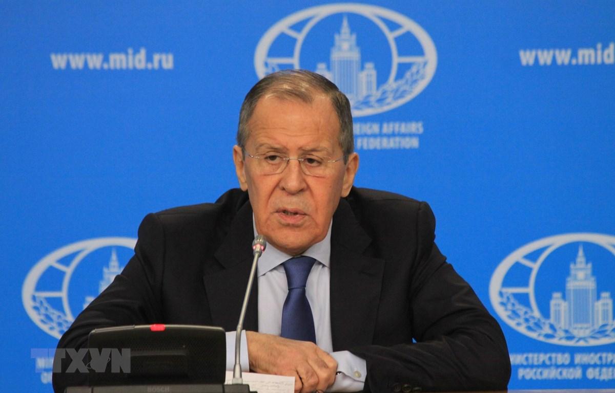 Quyền Bộ trưởng Ngoại giao Nga Sergey Lavrov phát biểu tại buổi họp báo. (Ảnh: Trần Hiếu/TTXVN)