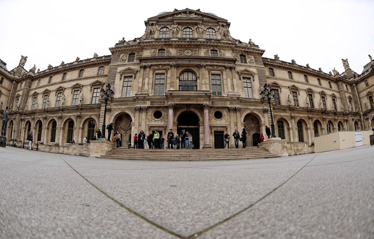 Bảo tàng Louvre tại thủ đô Paris, Pháp. (Ảnh: AFP/TTXVN)