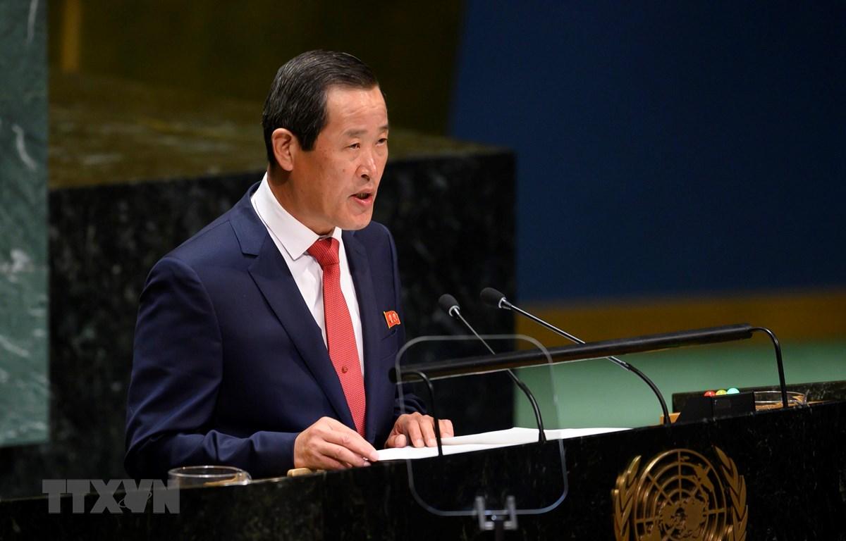 Đại sứ Triều Tiên tại LHQ Kim Song phát biểu tại Đại hội đồng LHQ ở New York, Mỹ ngày 30/9/2019. (Ảnh: AFP/TTXVN)