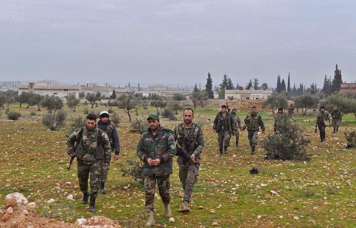 Binh sỹ Syria tiến vào thị trấn Tal Toukan, tỉnh Idlib ngày 5/2/2020. (Ảnh: AFP/TTXVN)