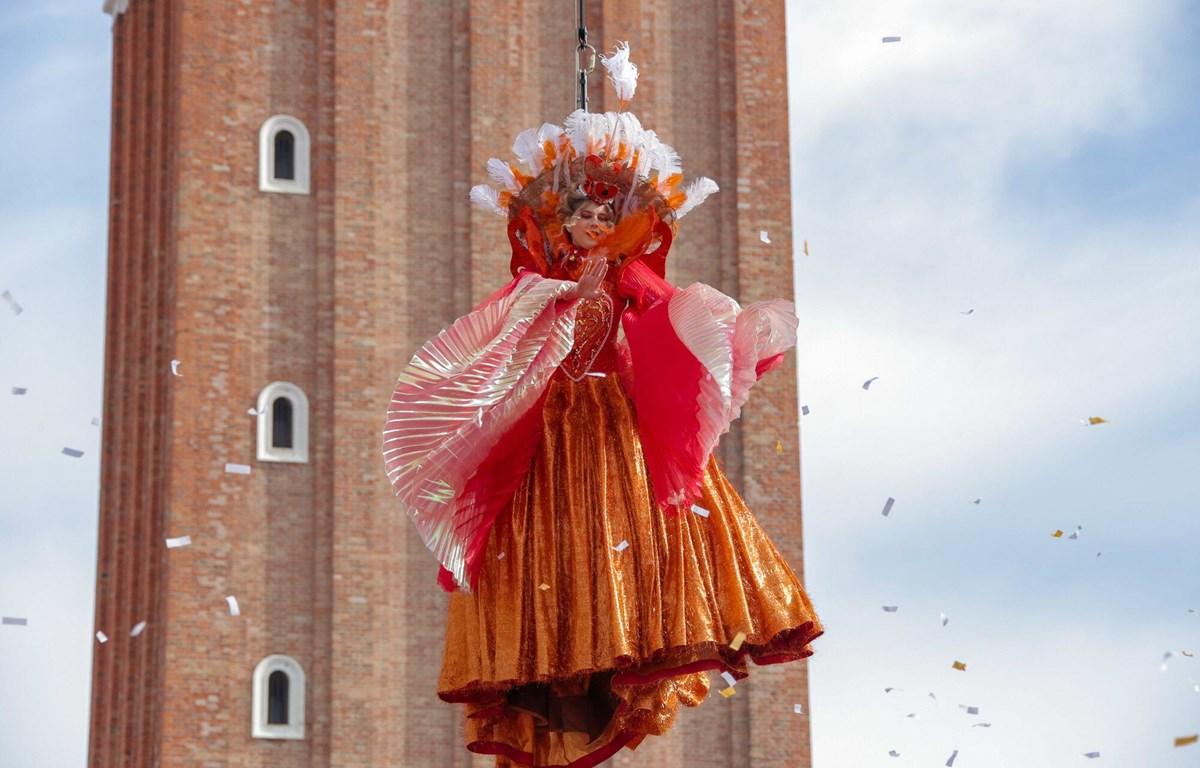 Thiên sứ bay ngoạn mục mở màn cho Lễ hội Carnival Venice. (Nguồn: carnevale.venezia.it)