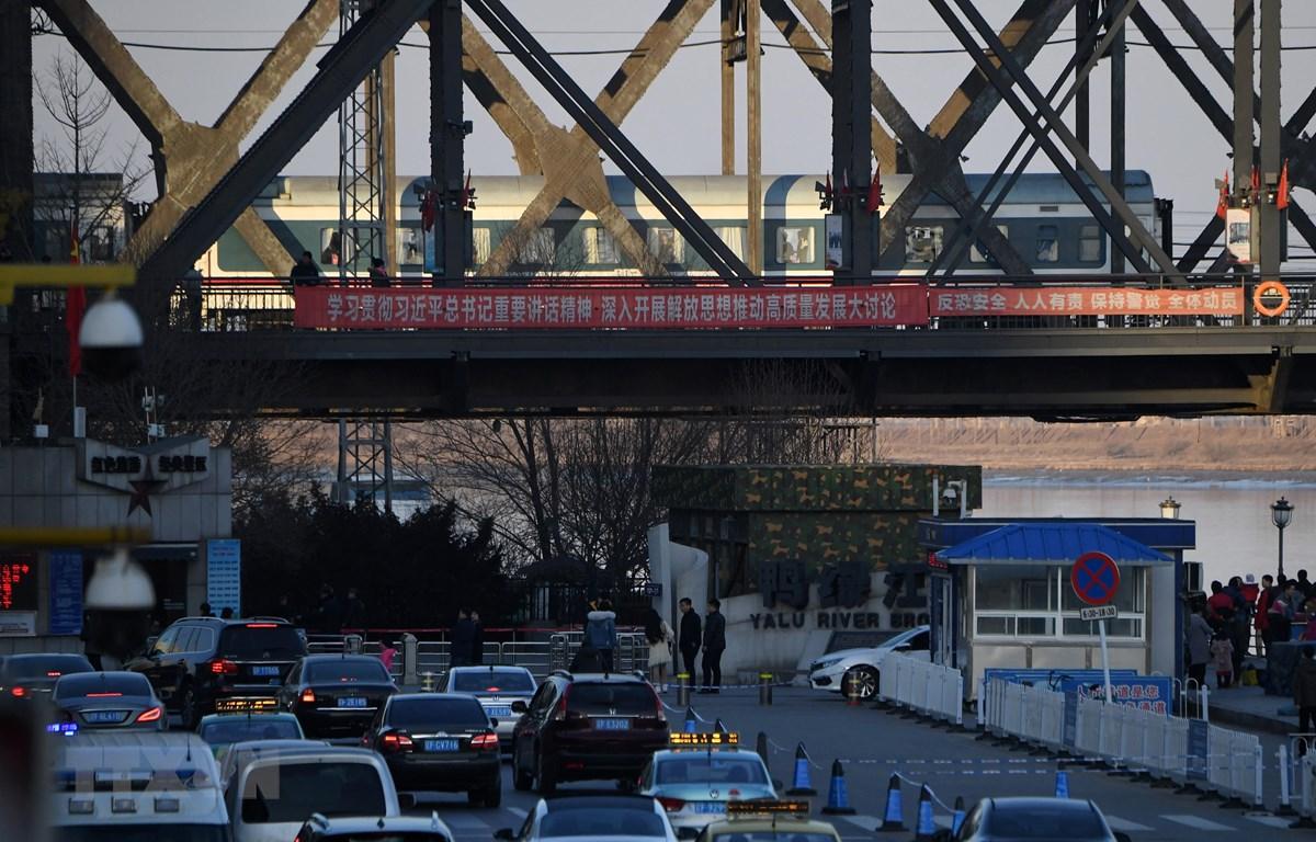 Triều Tiên đã đóng cửa mọi tuyến đường sắt và hàng không đi qua biên giới với Trung Quốc nhằm ngăn chặn sự lây lan của dịch COVID-19. (Nguồn: AFP/TTXVN)
