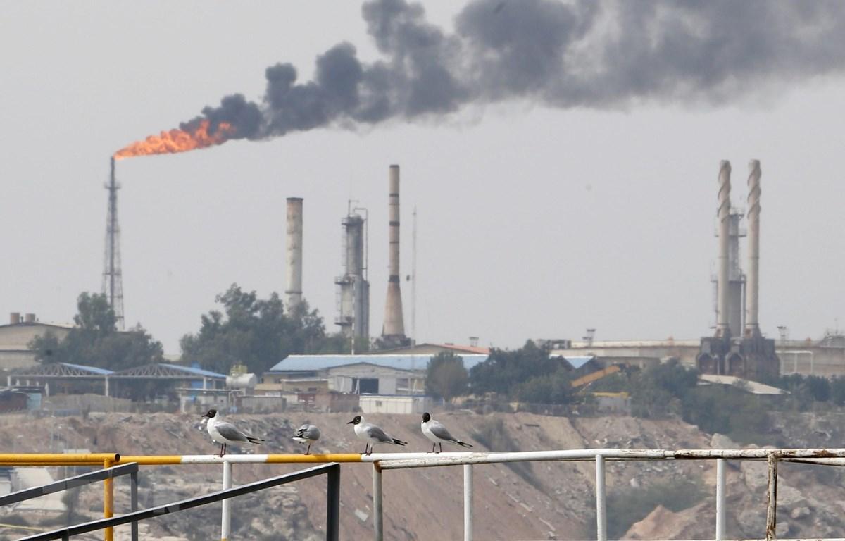 Một cơ sở khai thác dầu trên đảo Khark, Iran. (Ảnh: AFP/TTXVN)