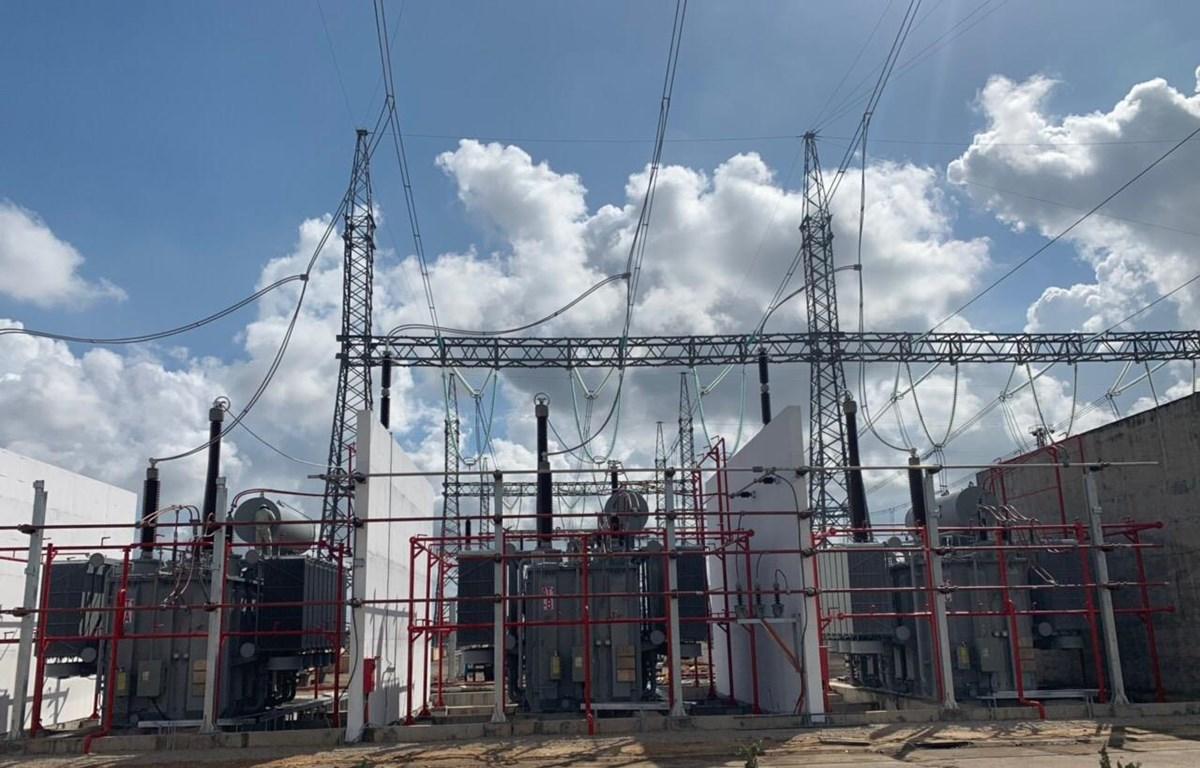 Máy biến áp AT1 (500/220/22 kV - 600 MVA) tại TBA 500 kV Dốc Sỏi. (Nguồn: icon.com.vn)