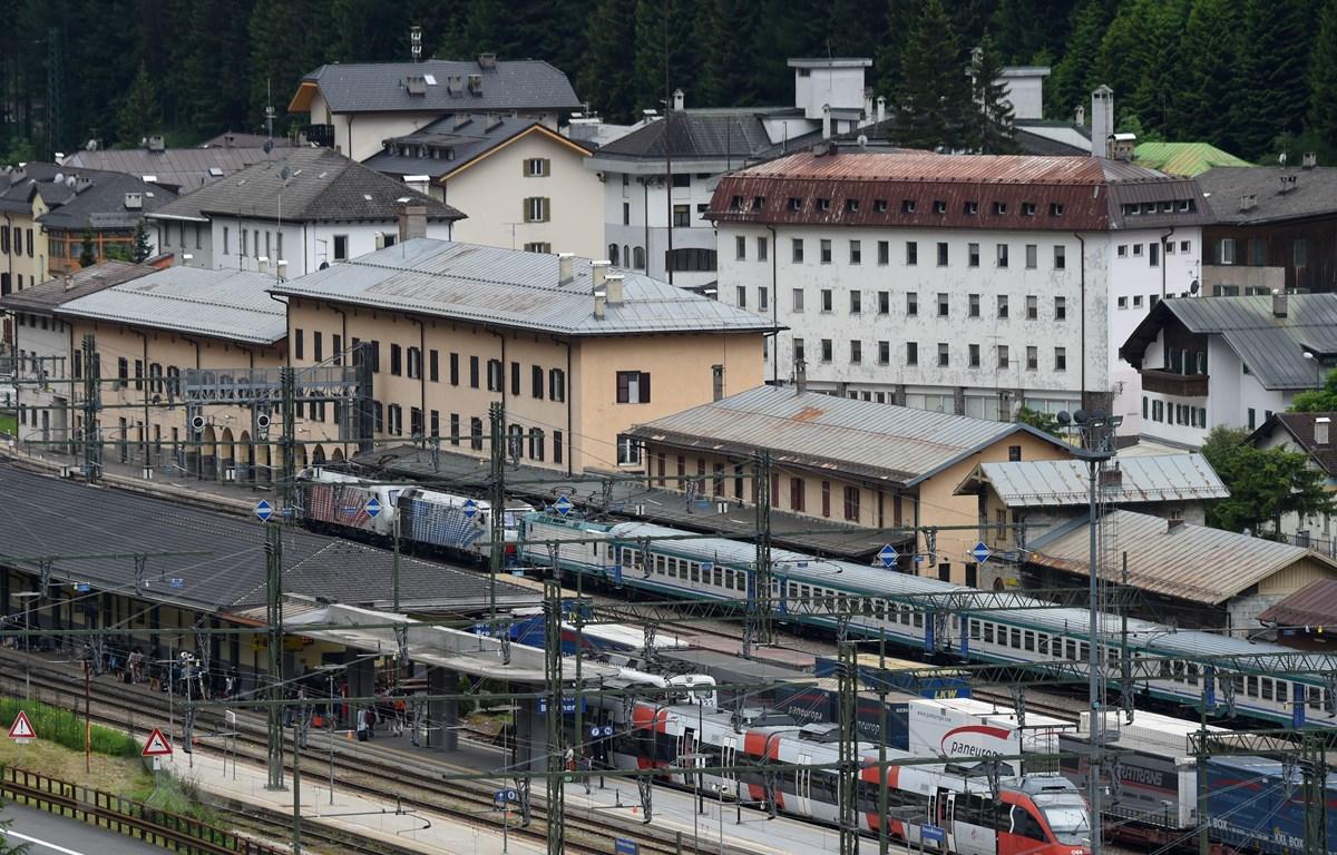 Áo đã dừng dịch vụ đường sắt qua đèo Brenner trên dãy Alps nối với Italy để ngăn chặn dịch COVID-19. (Nguồn: AFP/TTXVN)