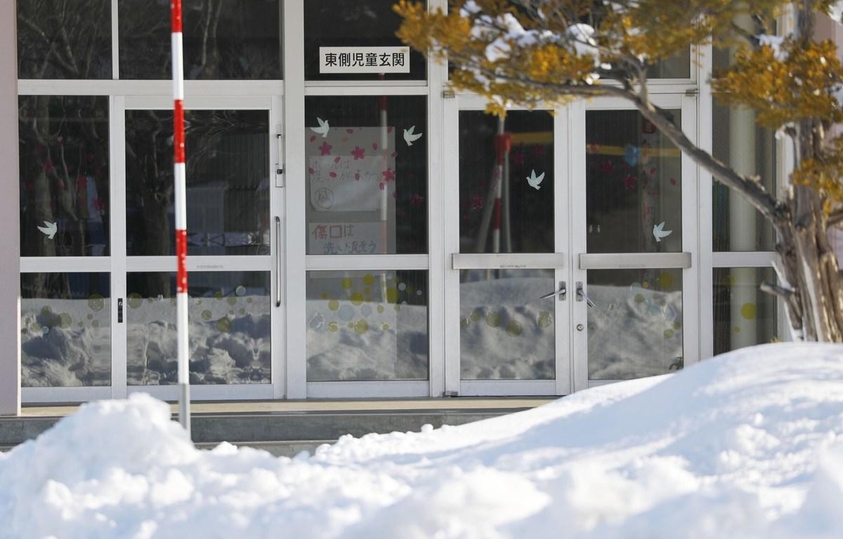 Trường học đóng cửa do lo ngại dịch COVID-19 tại Hokkaido, Nhật Bản, ngày 27/2/2020. (Ảnh: THX/TTXVN)