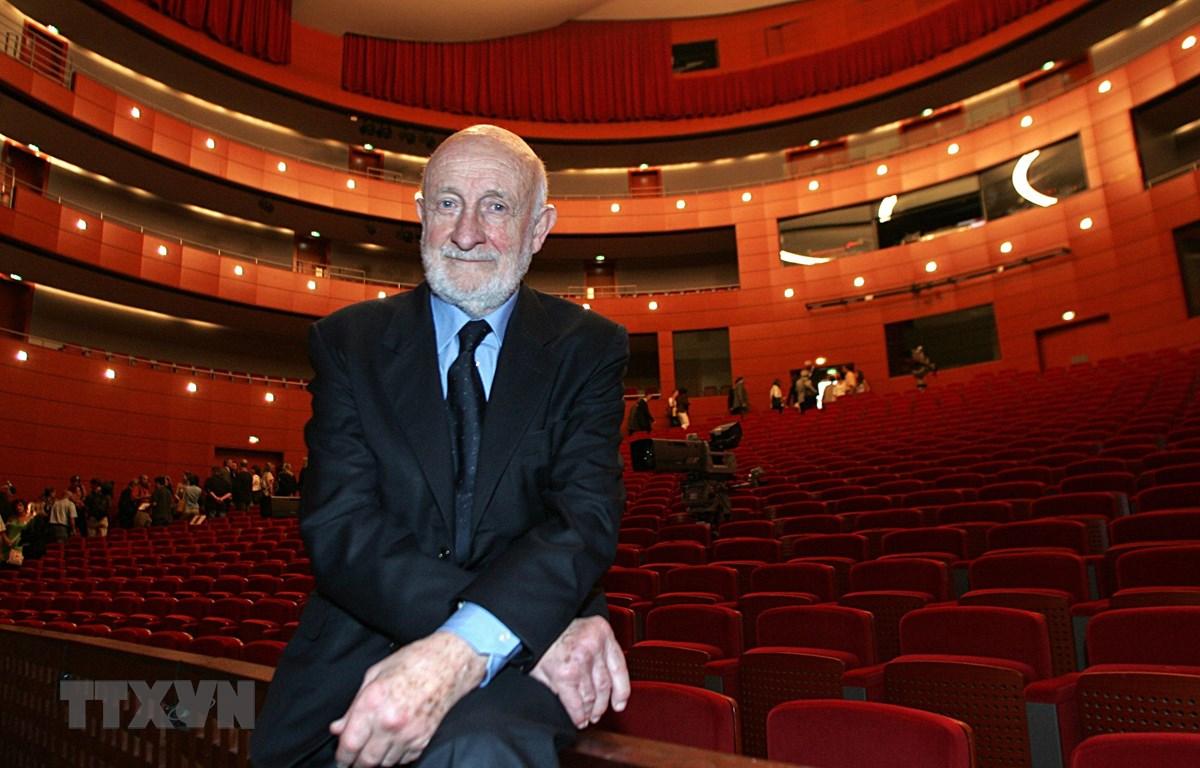 Kiến trúc sư người Italy Vittorio Gregotti tại Pháp ngày 29/6/2007. (Ảnh: AFP/TTXVN)